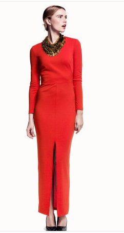 hm Uzun kollu ön ortadan derin yırtmaçlı arkası açık boyun arkasından düğmeli bedene oturan uzun jarse elbise. Üst tarafı astarlı.